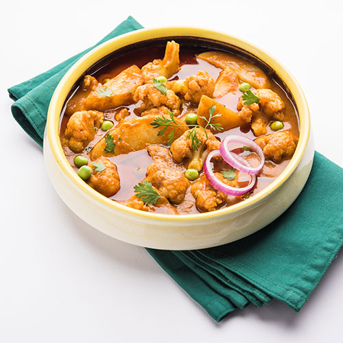 רוטב הודי מסורתי מוכן להכנת תבשיל אלו גובי. להשיג בחנויות מהרג'ה.