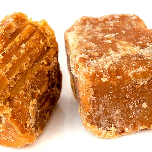 ג'אגרי (Jaggery)– סוכר קנים הודי. להשיג ברשת חנויות מהרג'ה באשדוד ורמלה.